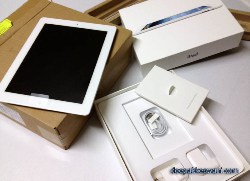 Unboxing the new Apple iPad